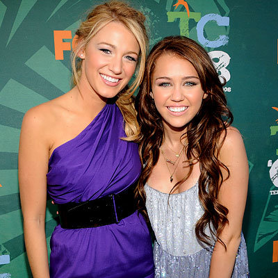 Blake Lively, Miley Cyrus in Moschino, 2008 Teen Choice Awards, Zac Efron, Jonas Brothers