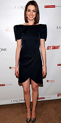 Anne Hathaway, Jasmine Di Milo, Big Shoulders, The Look, celebrity trends