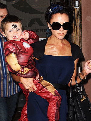 Victoria Beckham, Cruz, Romeo, Brooklyn, Star Moms and Kids, Mother's Day