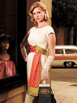 Fashion Freeze Frame  - Mad Men Season 3 - January Jones as Betty