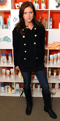 Brittany Snow, St. Ives Sensory spa, Luxury Lounges, 2009 Sundance Film Festival