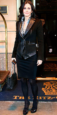 Courteney Cox with Chanel bag