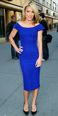 Kelly Ripa in Victoria Beckham