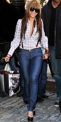 Beyonce in Dsquared2