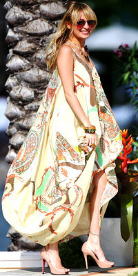Nicole Richie in Etro and Christian Louboutin