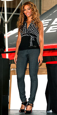 Beyonce in Dereon and Christian Louboutin shoes