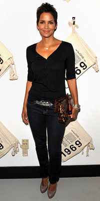 Halle Berry in Gap