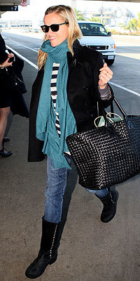 Reese Witherspoon with a Bottega Veneta bag