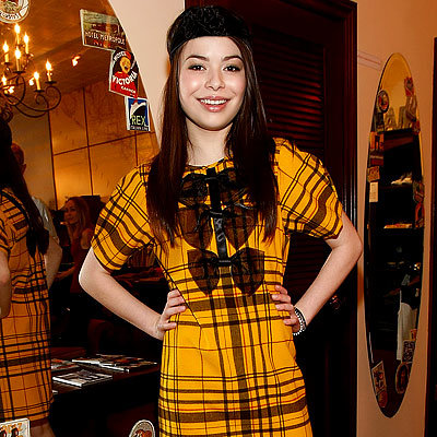 Miranda Cosgrove, Nickelodeon Kids Choice Awards Shopping Spree, Trying on plaid Beckerman bow dress at Milk, Los Angeles, i Carly