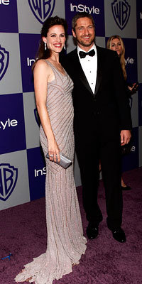 InStyle's Golden Globes After-Party - Jennifer Garner in Versace and Gerard Butler