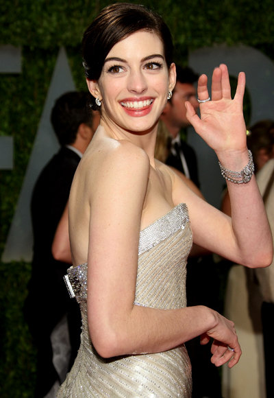 Anne Hathaway - Look Great in a Tank - Celebrity Fitness