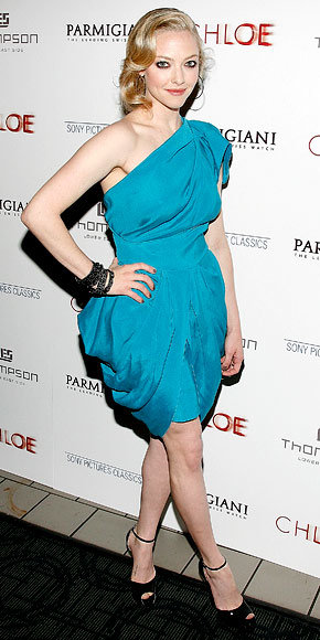 Amanda Seyfried in RM by Roland Mouret