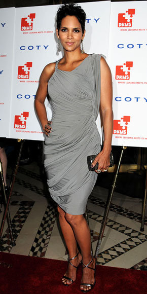Halle Berry in Vera Wang