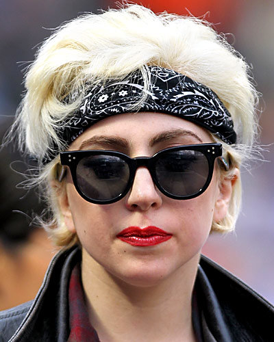 lady gaga new hair style gaga s 25 most outrageous hairstyles instyle 9408 | 032211 lady gaga11 400x500 0