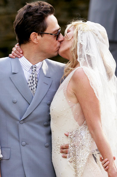 10 great wedding kisses instyle kate moss and jamie hince wedding kiss junglespirit Image collections