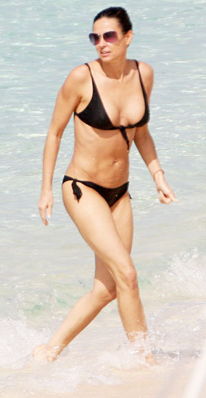 How To Get A Body Like Demi Moore Instyle Com
