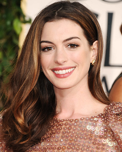 Secrets Behind the Best Golden Globes Beauty Looks - Anne Hathaway
