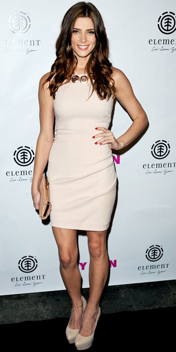 Ashley Greene in Emilio Pucci