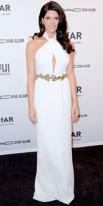 Ashley Greene in Giambattista Valli