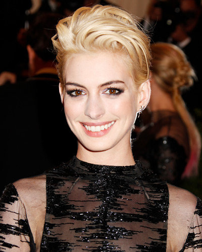 """Anne Hathaway Eye Color: The Met Gala 2013: 10 Beauty Moments That Made Us Go """"Wow"""