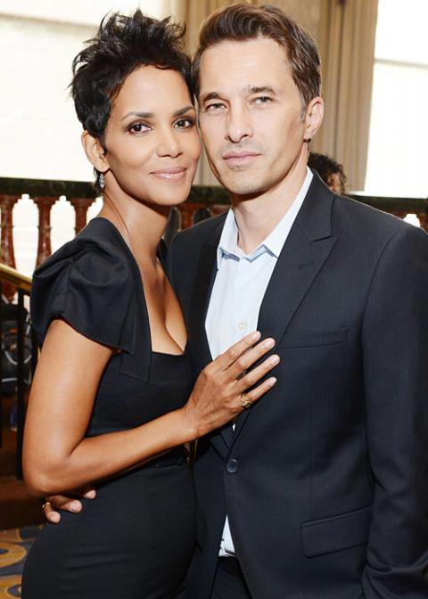 Celebrity Wedding Photos - Halle Berry and Olivier Martinez