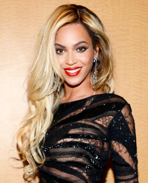 Beyoncé's Platinum Blonde Is New York's Most-Wanted Hair ...