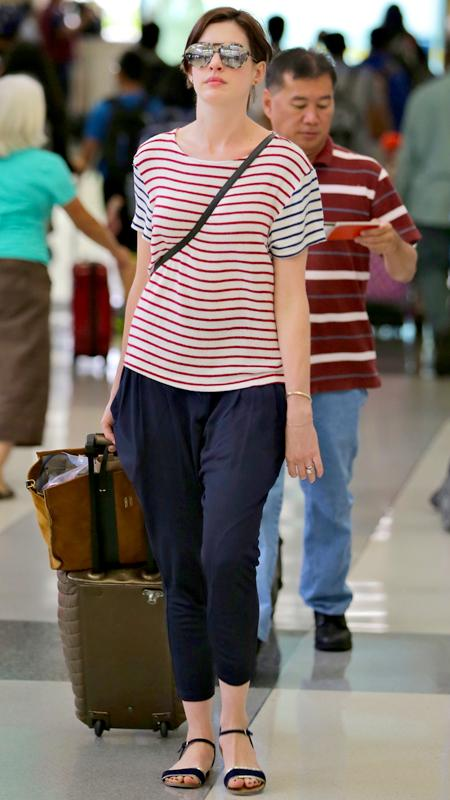 Star Airport Style: Anne Hathaway