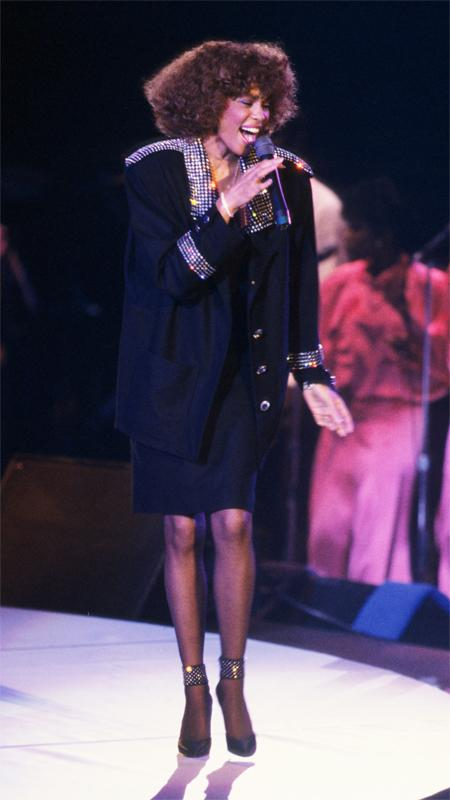 VMA Moments We Wish We Could Relive - 1986 Whitney Houston
