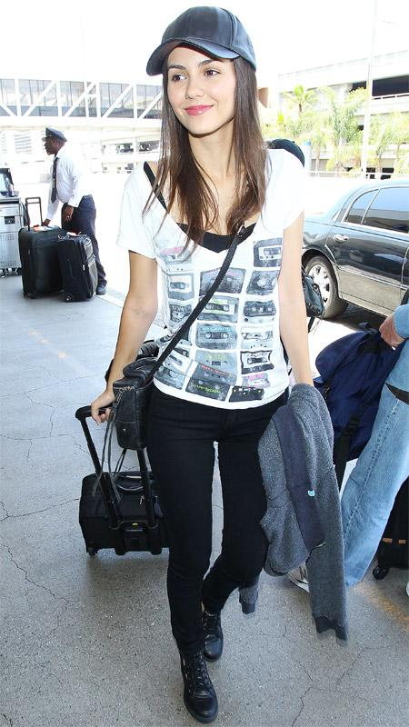 Victoria Justice airport style