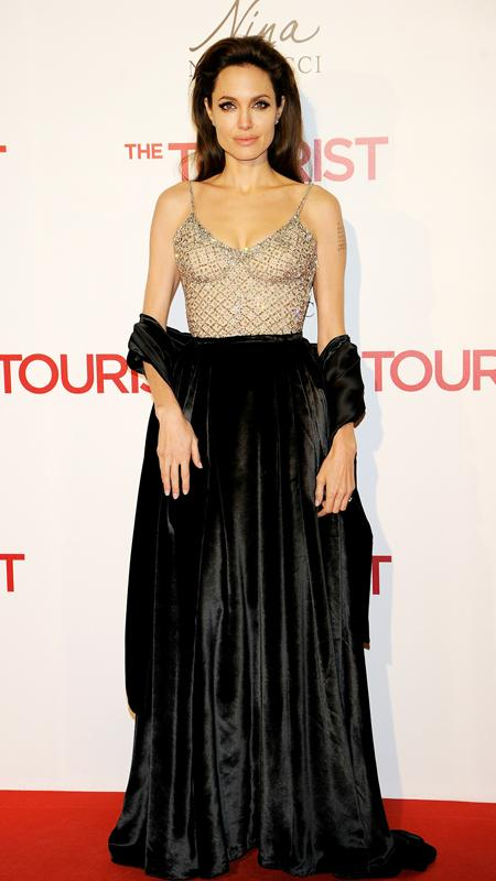 Angelina jolie red carpet dresses - photo#3
