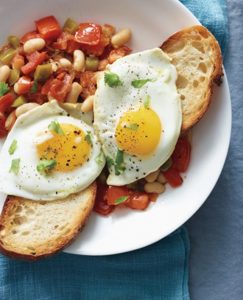 Spiced Eggs With Tomato & Cannellini Beans recipe