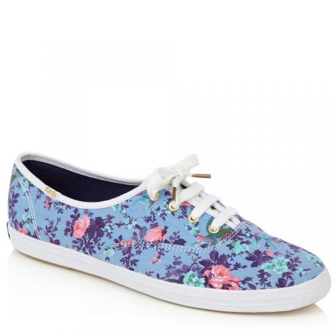 Floral sneakers embed 10