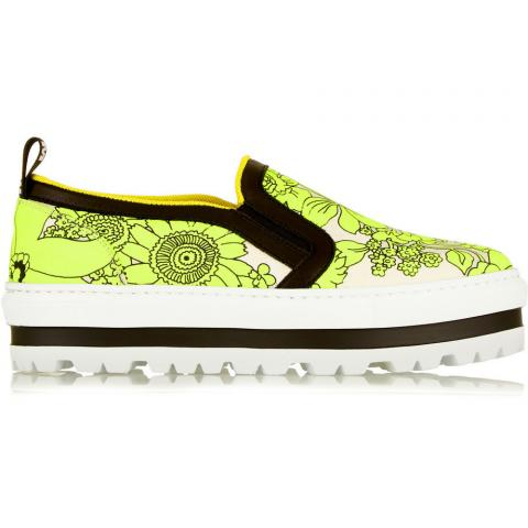 Floral sneakers embed 3