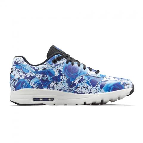 Floral sneakers embed 6