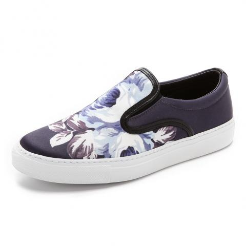 Floral sneakers embed 8