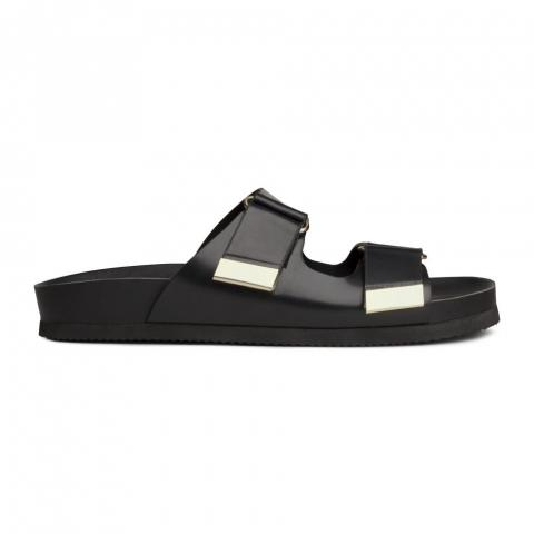 Sporty sandals embed 6
