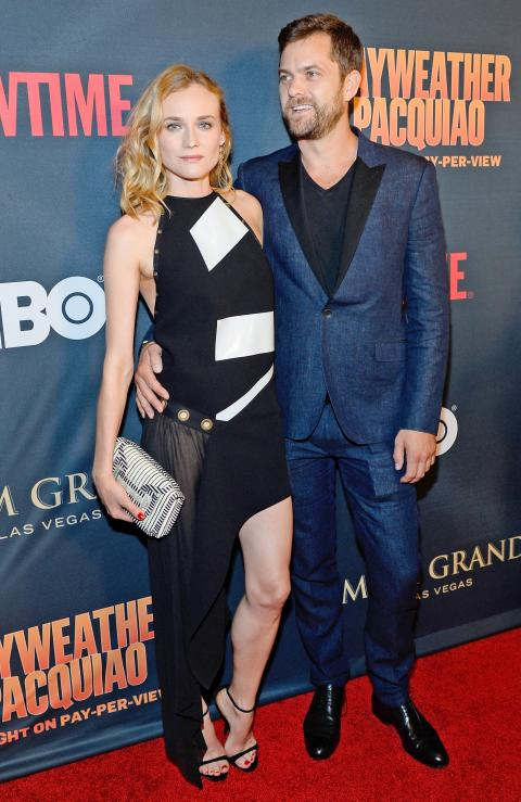 """Actress Diane Kruger (L) and actor Joshua Jackson attend the SHOWTIME And HBO VIP Pre-Fight Party for """"Mayweather VS Pacquiao"""" at MGM Grand Hotel & Casino on May 2, 2015 in Las Vegas, Nevada."""