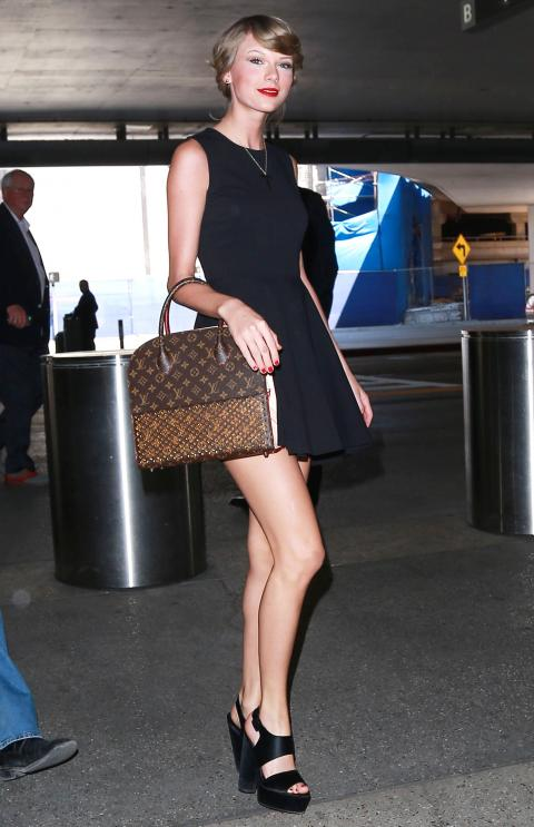 Exclusive... Taylor Swift Departing On A Flight At LAX