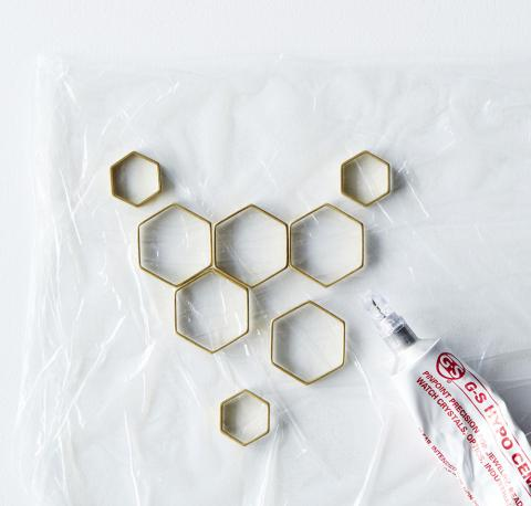 How to Make a Honeycomb Statement Necklace