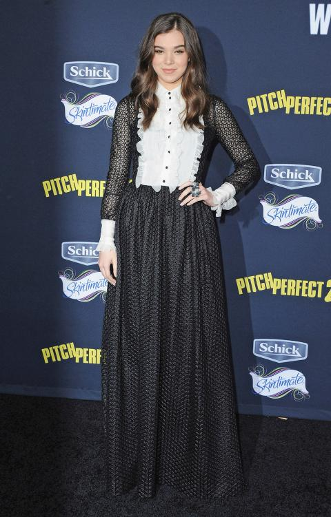Hailee Steinfeld at Pitch Perfect 2 premiere