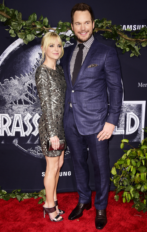 Actors Anna Faris (L) and Chris Pratt attend the Universal Pictures' 'Jurassic World' premiere at Dolby Theatre on June 9, 2015 in Hollywood, California.