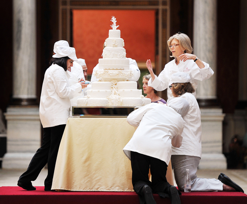 prince william wedding cake recipe kate middleton s baker will make a royal wedding cake for 18794