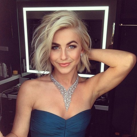 Julianne Hough's Wavy Lob