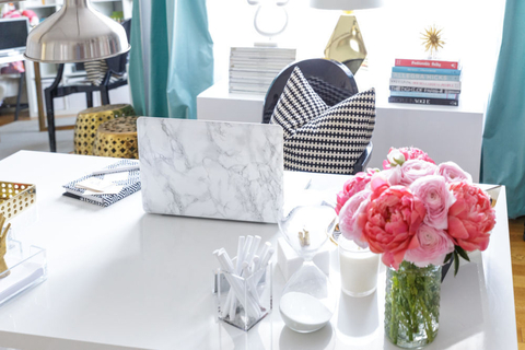 domino - desk styling embed 2