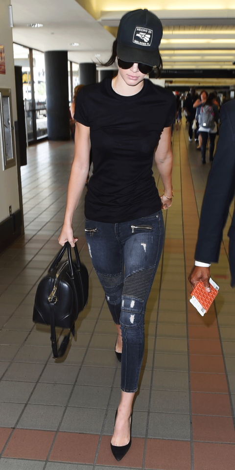 Kendall Jenner - Airport Fashion - Lead