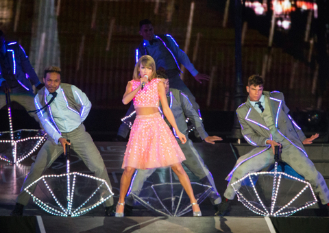 Taylor Swift kicks off her 1989 US tour in Las Vegas, NV during Rock in Rio