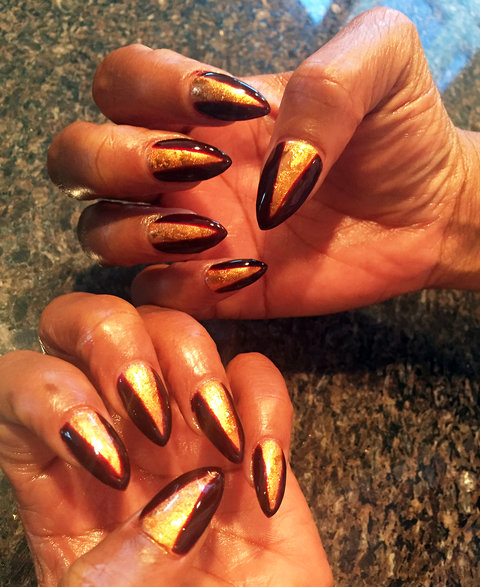 Cookie Lyon's Manicure - Embed