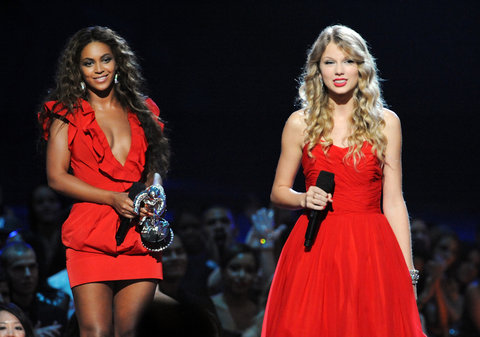 Taylor Swift speaks after Beyonce allowed her to finish her speech, that was cut short by Kanye West, after Beyonce won 'Best Video of the Year' onstage during the 2009 MTV Video Music Awards at Radio City Music Hall on September 13, 2009 in New York City