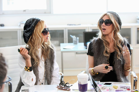 'Zoe vs. Zoe' Episode 307 -- Pictured: (l-r) Rachel Zoe, Rachel Zoe impersonator Amy Philips