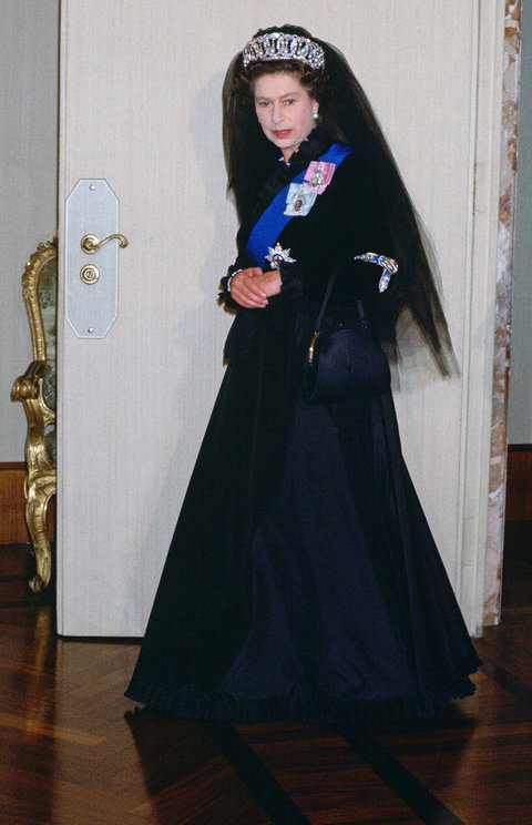 150 Of Queen Elizabeths Iconic Dresses Will Be On Display